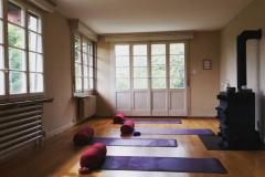 Ashtanga-Yoga-Solothurn_Marisol-Figueroa-Reitze_Midartweg-15_Yogaraum_compressor